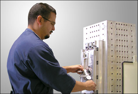 CNC Programmers, CNC Machinists